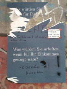 zerrissenes plakat auf der wand